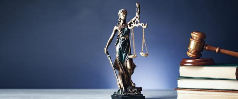 news60 768x320 - Когда нужна помощь юриста?